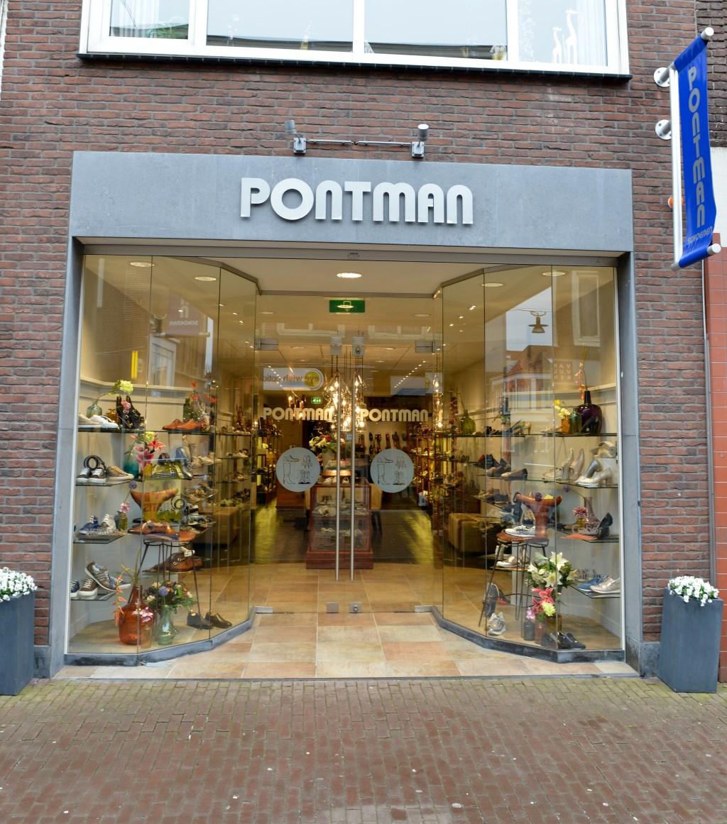 De schoenenzaak is sinds 1959 op het huidige adres gevestigd. In de loop der jaren zijn er diverse verbouwingen toegepast. (Foto: aangeleverd) © rodi