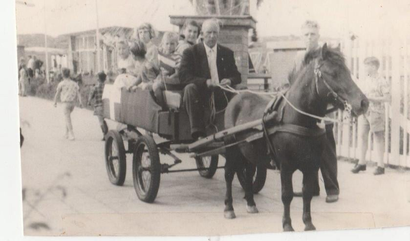 Floris Baas in 1958 tijdens HRC Fancy Fair.
