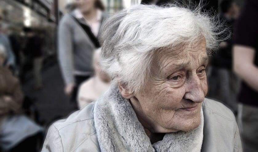 Het Alzheimer Café geeft antwoord op vragen en biedt een luisterend oor.