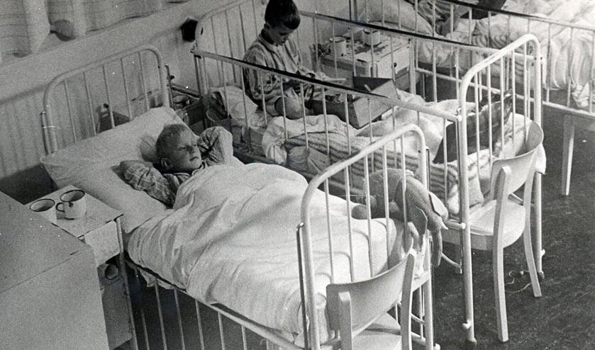 Beeld van de kinderafdeling van het toenmalige Stadsziekenhuis in 1944-1945.