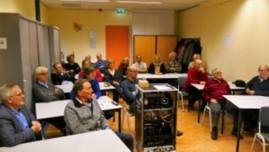 Een bijeenkomst van Filmclub IJmond.  © rodi