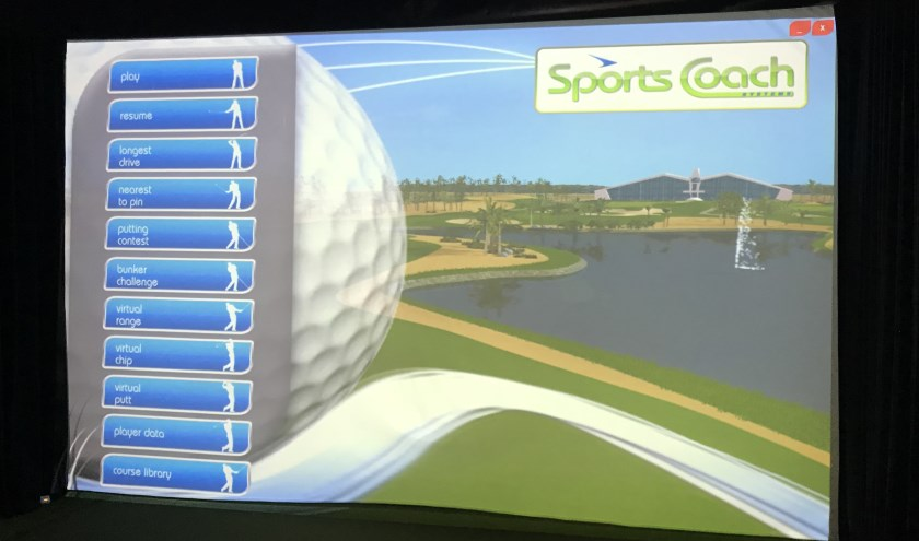 De SportsCoach van Albatros Indoor Golf.