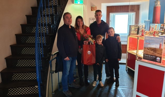 Salko de Wolf met de familie Leek uit Volendam