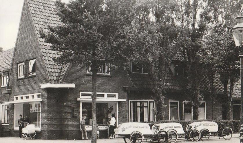 Bakkerij Mensink in de Huygensstraat (1957-1994).