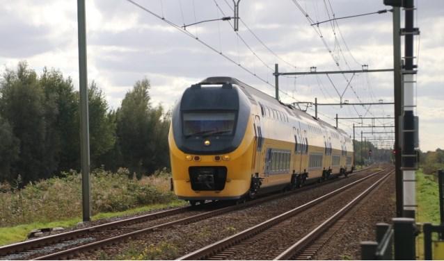 Sommige treinreizigers zaten 2 uur vast in hun trein voor ze geëvacueerd werden.