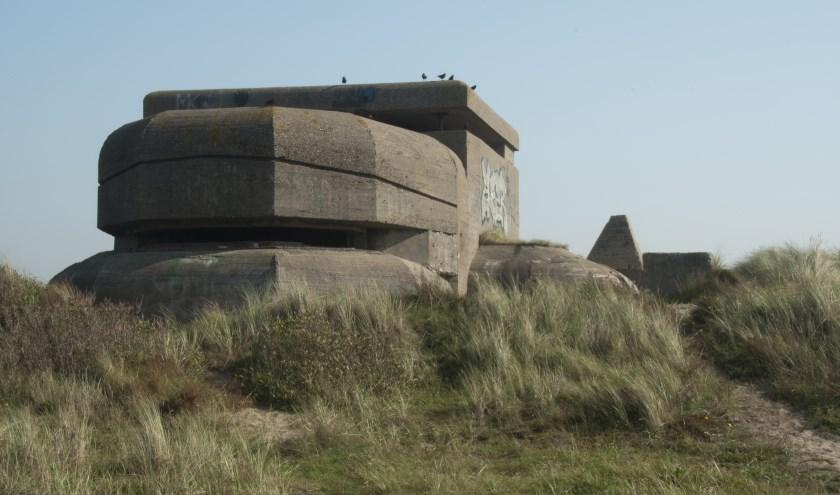 De bezetter ontruimde een hele kuststreek om deze Atlantikwall aan te leggen.