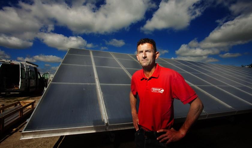 Pip Tesselaar, eigenaar van Tesselaar Freesia, is trots dat het systeem nu operationeel is.