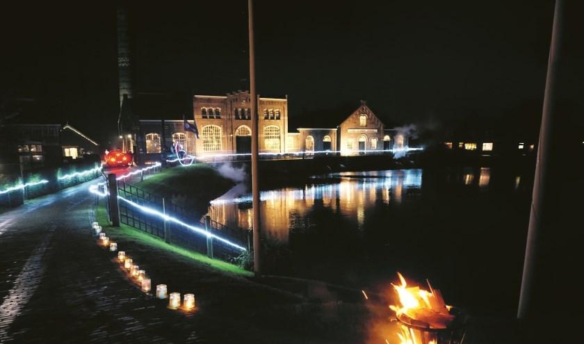 Het Stoommachinemuseum is 9 november gehuld in sfeerlicht.