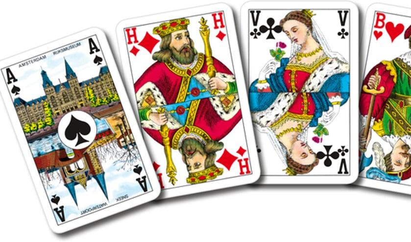 Bridgen is een denk-kaartspel.