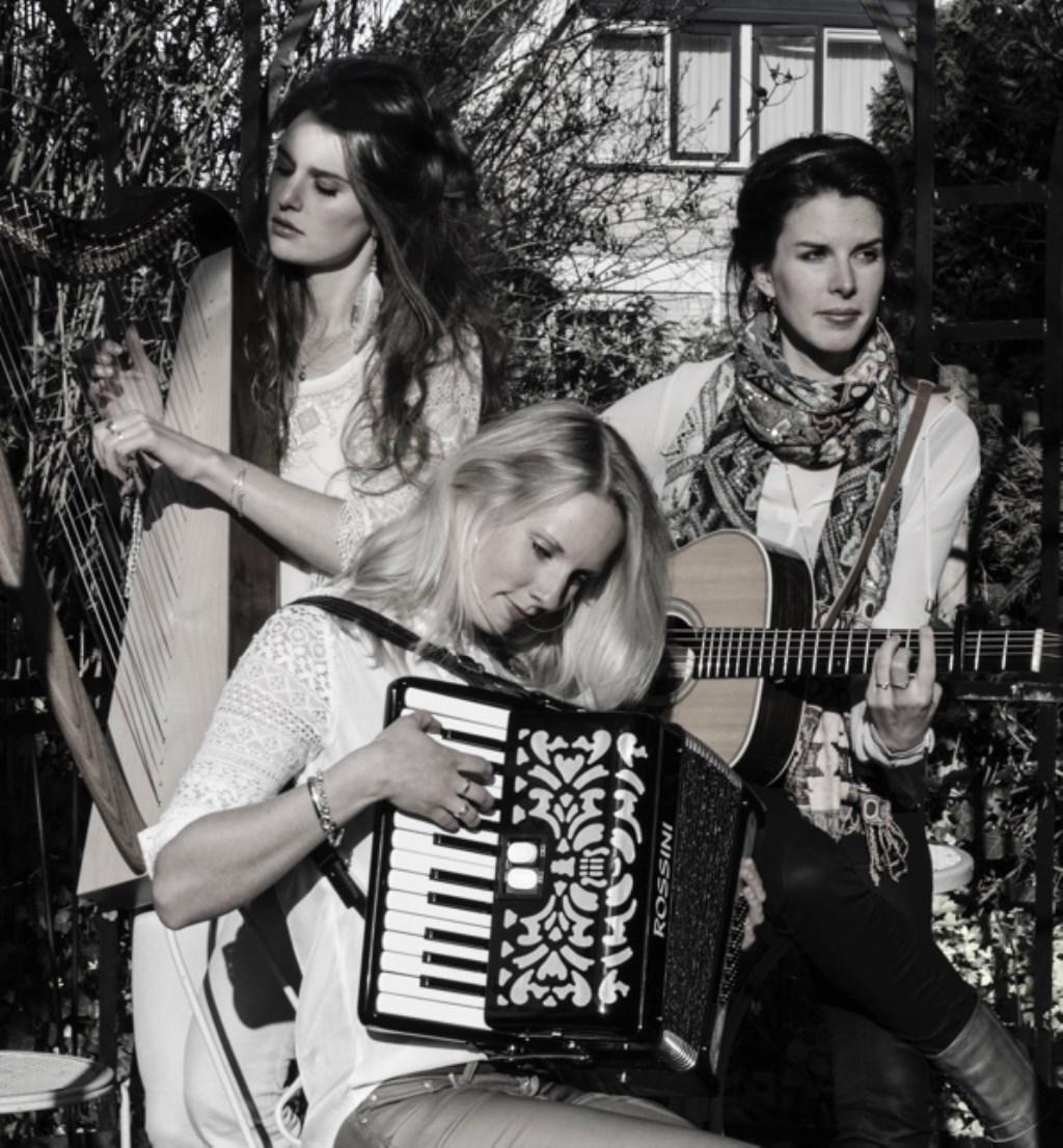 SYA speelt op diverse instrumenten. (Foto: aangeleverd) © rodi