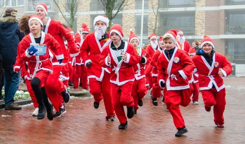 Santa Run is fun run in Helderse binnenstad.