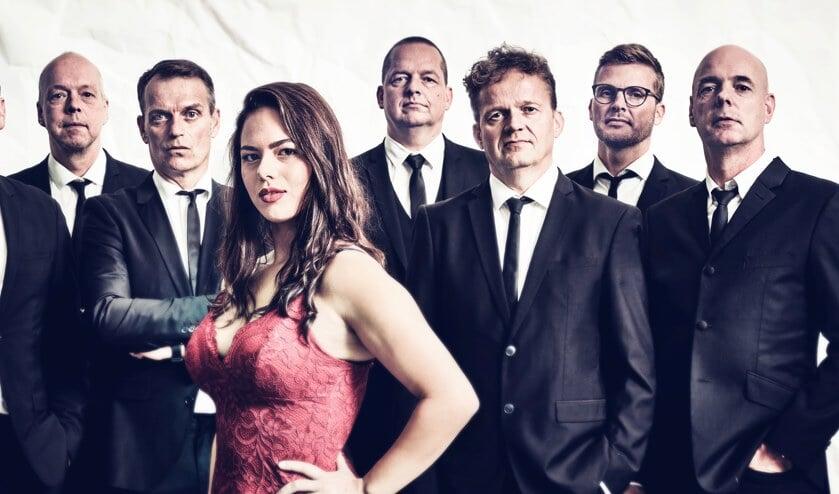 The Tibbs met hun nieuwe zangeres Roxanne Hartog.