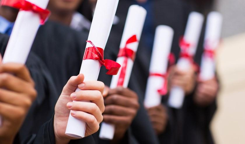De MBO Raad roept werkgevers op waakzaam te zijn op valse diploma's.