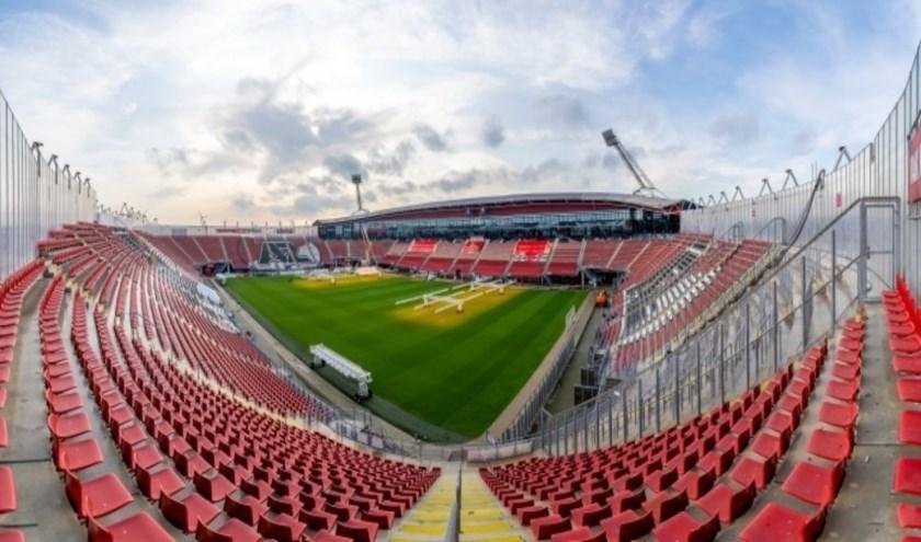 Het dak van het AFAS Stadion is inmiddels volledig ontmanteld.