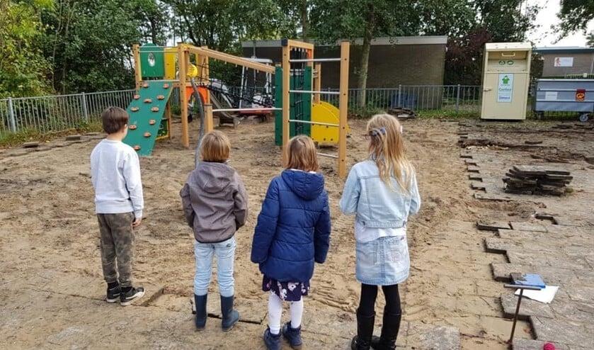 Het nieuwe schoolplein in wording