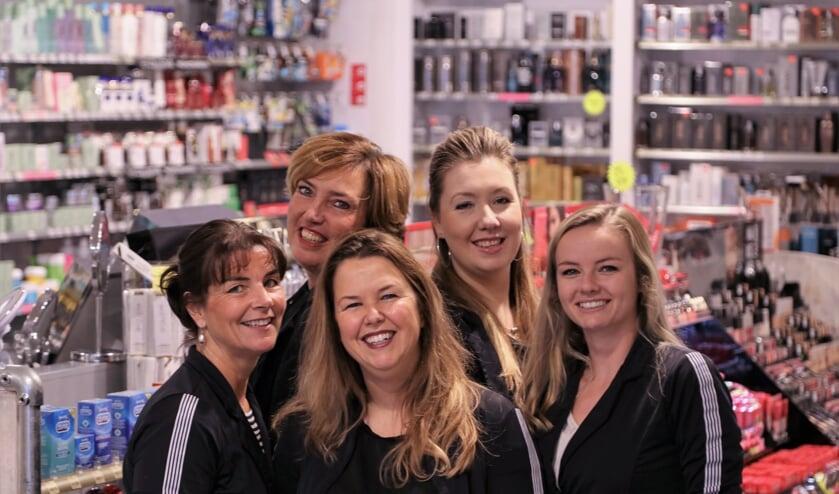 Het team van Drogisterij Parfumerie Sandra.