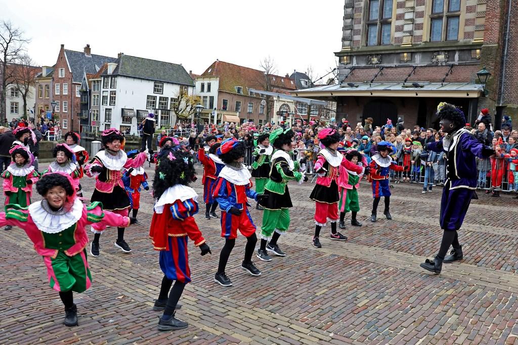 ALKMAAR, 09–11-2019, Sinterklaas Alkmaar,Sinterklaas, intocht, zwarte piet, roetveeg piet (Foto: Vincent de Vries) © rodi