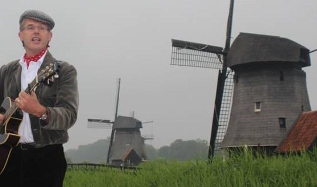 Kees Kaas speelt 'Liedjes voor Later' in de Twuijvermolen.