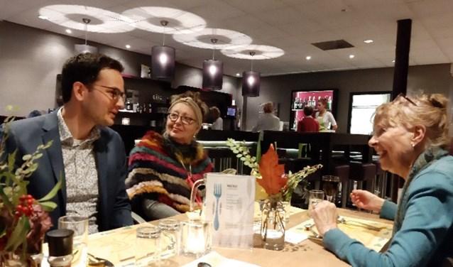 Samen eten in Egmond aan den Hoef.