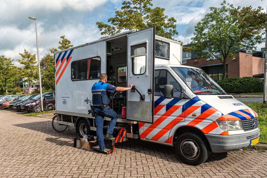 De diensten komen met groot materieel en geven hiermee een duidelijk signaal af.  (Foto: Evert Ruis) © rodi