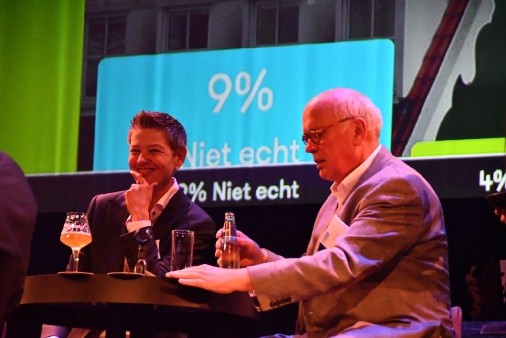 Petra Derlagen, financieel directeur bij Germico en voorzitter van ZaanLinQ met start-Up Ad van Vugt.  © rodi