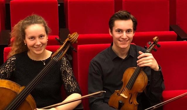 Charlotte en Maxime Gulikers spelen mooie klassieke muziek.