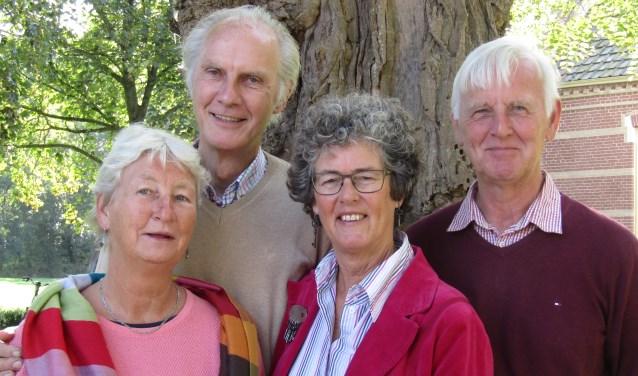 Tiny Laan, Cees Jonker, Anne de Bruin en Cees Bakker vertellen over hun hobby.