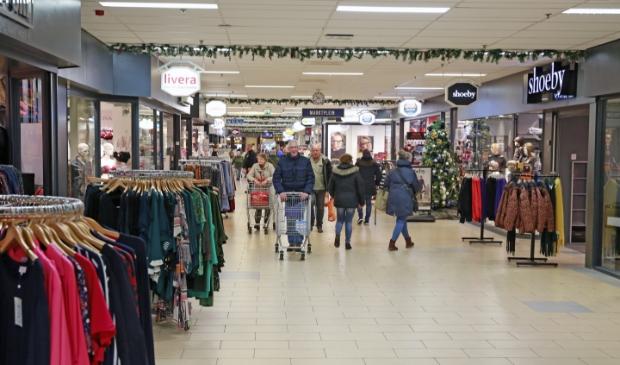 <p>De analyse in de visie toont dat Langedijk en Heerhugowaard een te groot winkelaanbod hebben</p>