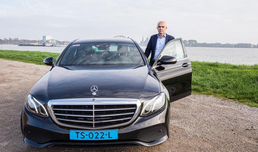 """Directeur Sjaak Hoek: """"Voor het MKB doet de Hoornse Taxicentrale ook de nodige vervoersopdrachten."""""""
