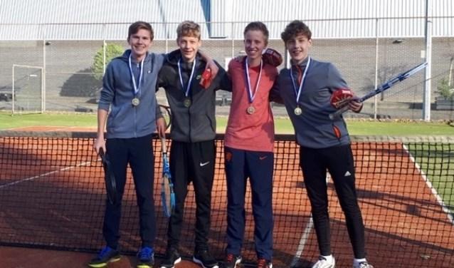 Op de foto vanaf links: Quinten Ruiter, Gijs Metselaar, Lars Rolink en Jeroen Metselaar.