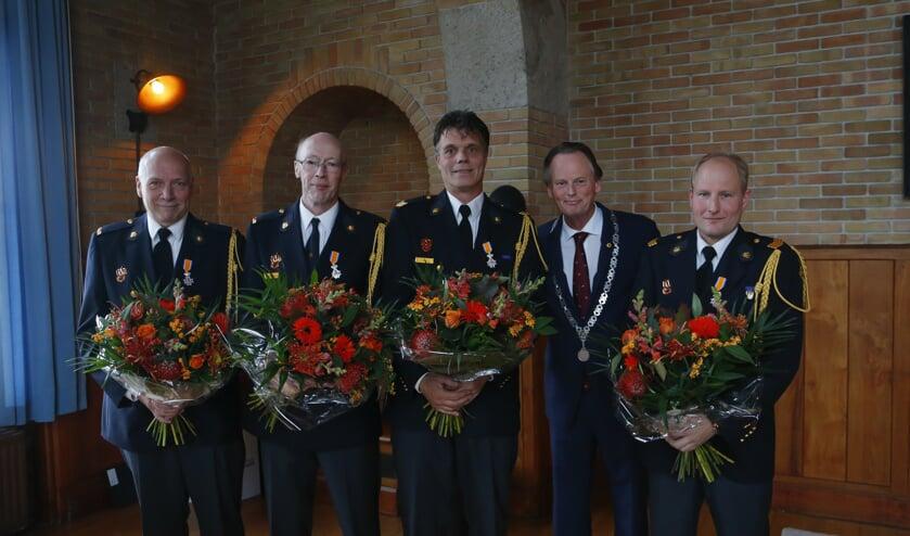 Harry Bouwman, René Verduin, Misja Smit, burgemeester Frank Streng en Dennis Bakker.