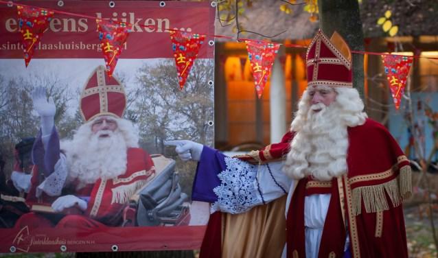 Sint heeft zijn intrek weer genomen in het Sinterklaashuis in Schoorl.