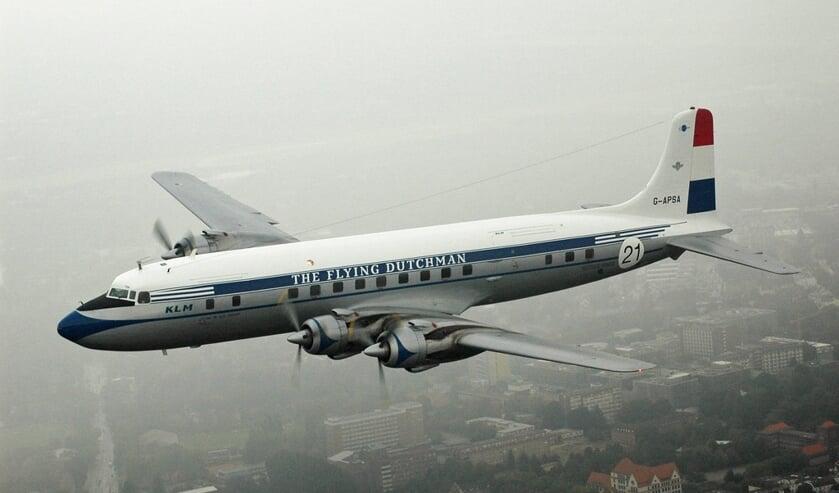 Een DC6B van de KLM, hetzelfde type als het vliegtuig dat in 1954 neerstortte bij Bergen aan Zee.