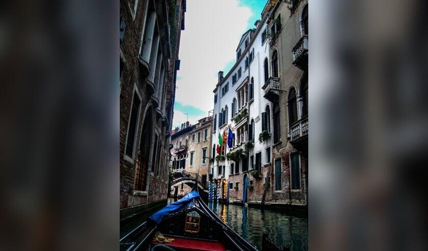 Het verhaal speelt in Venetië.