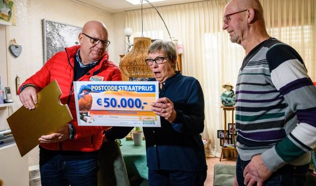 Marjan en Fred uit Bovenkarspel winnen 50.000 euro en een vakantiehuis bij Postcode Loterij.