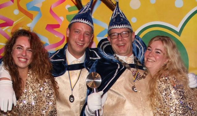 Prins Skik, adjudant Bloid en de hofdames Esmee en Marije.