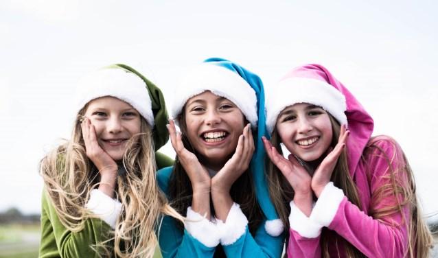 De meiden van DuRF zouden graag optreden tijdens het kerstconcert van Cor Bakker, wie helpt ze dit te bewerkstelligen?