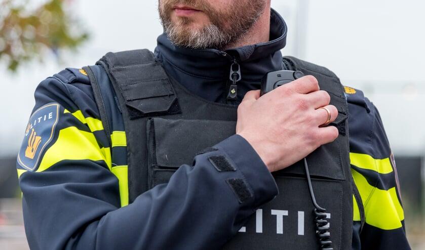De politie heeft een Haarlemmer in zijn huis aangehouden.