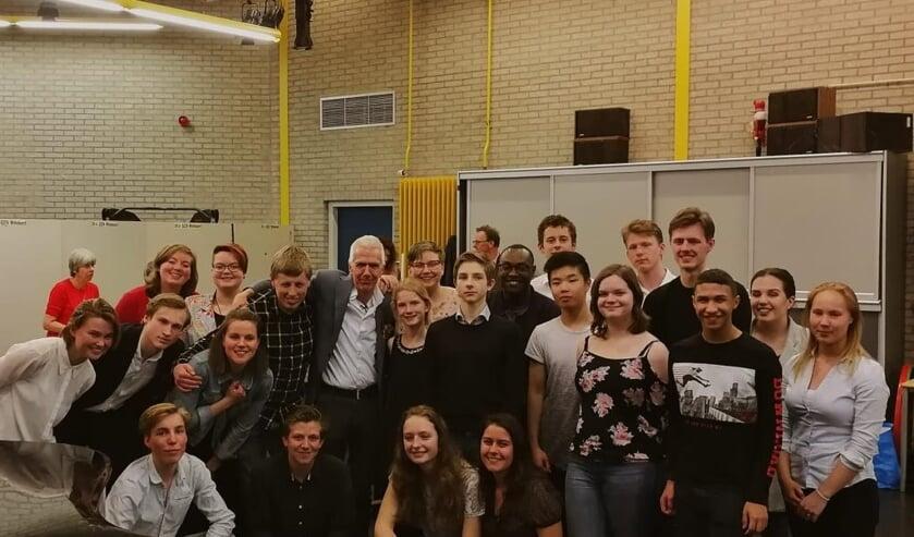 Pieter Grimbergen en zijn leerlingen staan te trappelen om zoveel mogelijk geld bijeen te spelen voor de VoorleesExpress. Ze hopen op een uitverkochte Taborkerk.