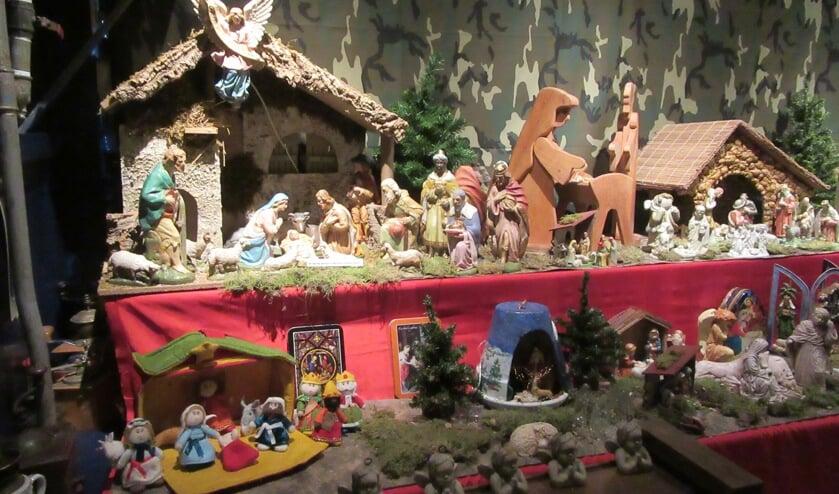 Een van de vele mooie kerststallen in De Anloup in Zuidermeer