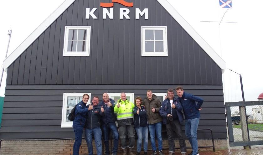 KNRM bestaat 195 jaar en dat werd gevierd met slingers en frikadellen.