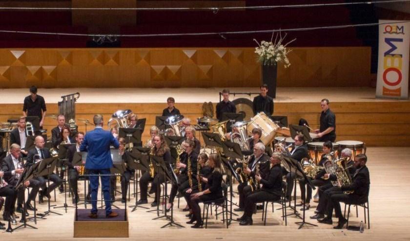 Lamoraal van Egmont op het concourspodium van het muziekcentrum Enschede.