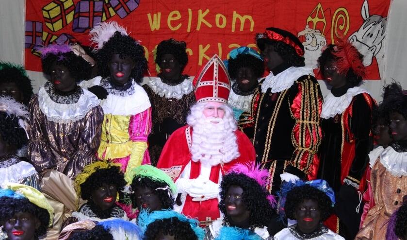 Sint en zijn Pieten voelden zich weer zeer welkom in Oostzaan.