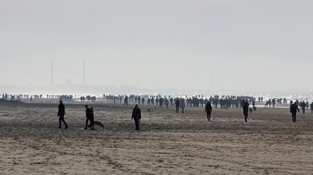 Genieten op het strand (Foto: Sjef Kenniphaas) © rodi