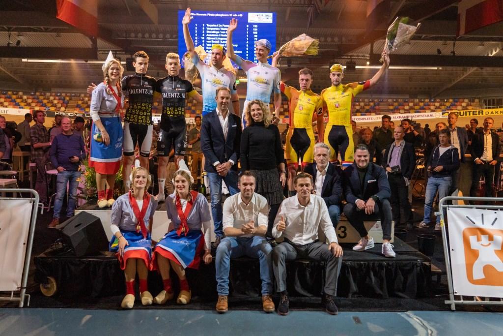 Het podium met Niki Terpstra en Moreno de Pauw als winnaars  (Foto: Robert van der Eng fotografie) © rodi