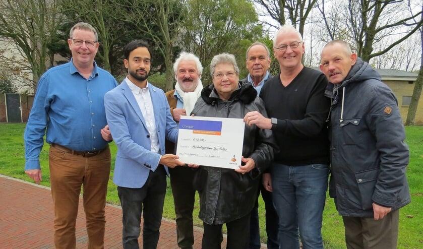 Stichting Gedenkstenen verheugd met donatie.