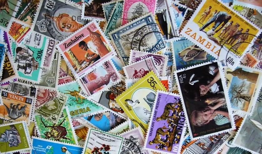 Duizenden postzegels in De Stoomhal...