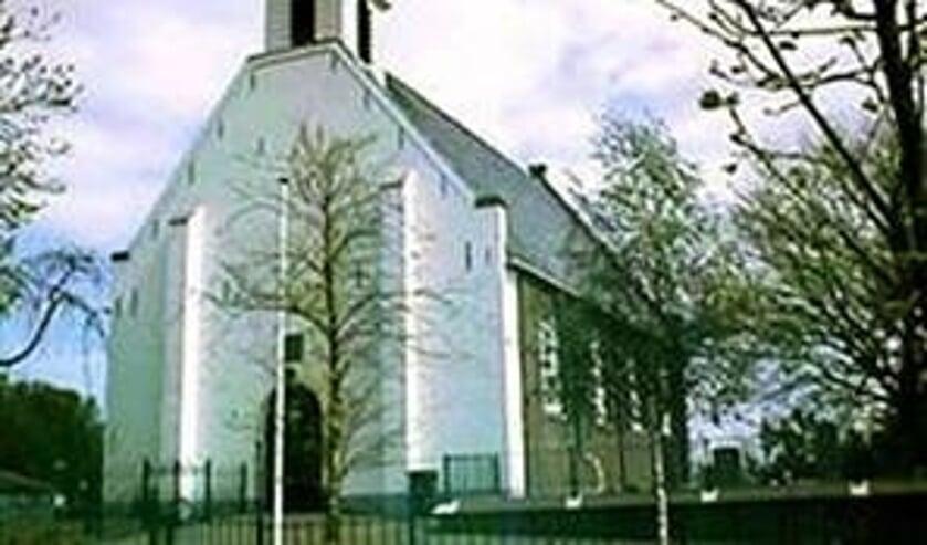 Dorpskerk in Durgerdam opent zijn deuren voor een dienst met Sint Maarten.