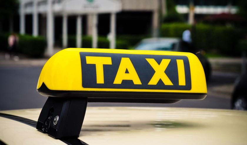 Taxichauffeurs mogen geen gasten weigeren.