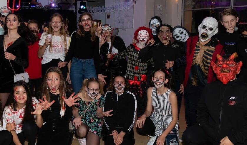 De meeste leerlingen hadden zich maar wat graag verkleed en geschminkt.